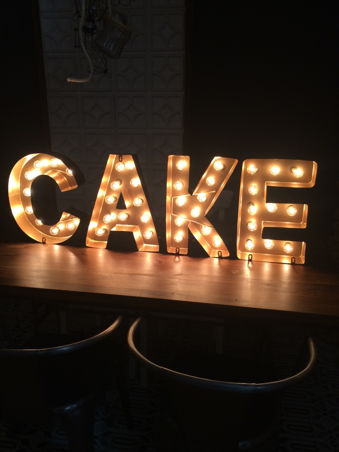 19-cake marquee